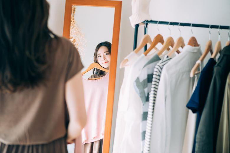 ZOZOTOWN,ツケ払い,女性,服,鏡